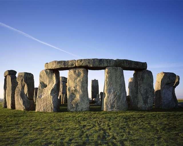 who built stonehenge