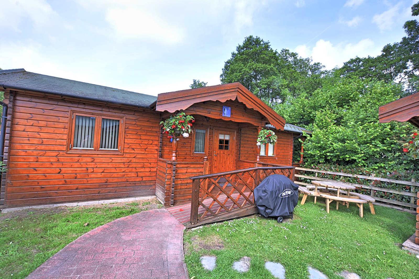 Accommodation near Bath | Hot tub, Pool, Games Room